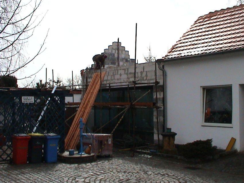 vyzdívání budovy akvária (2008)